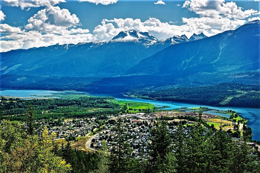 Life update: I am moving to the Canadian Rockies in 10 days!!